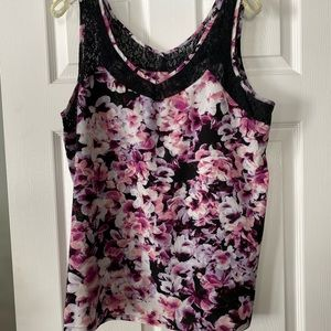 Lace and floral tanktop.